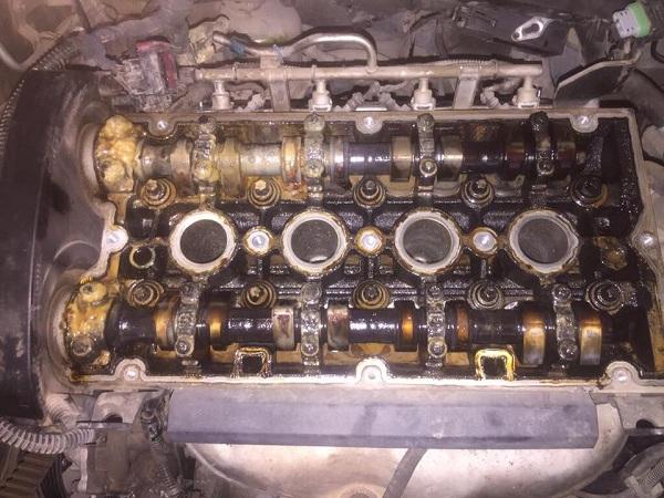 Z16XEP  - 2005 model  Opel Astra Conta Yanması  - Bozuk olan yağ görüntüsü